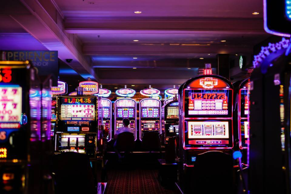 Play Casino Online And Grab The Opportunity Gambling