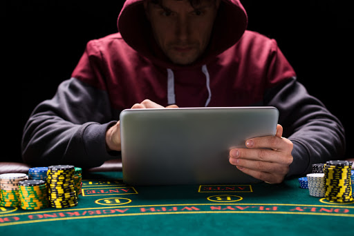 Bluffing The Sport Of Poker!
